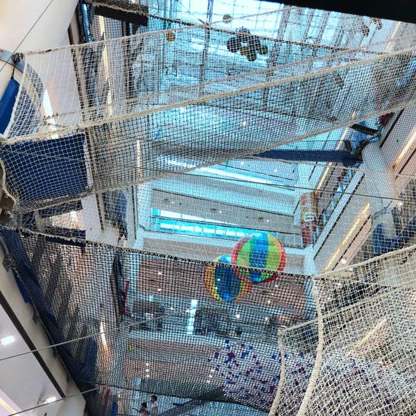 klettern_shoppingcenter_square_mall_singapur